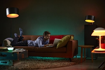 Philips Hue Entertainment Set (inkl. Philips Hue E27 Starter Set 3. Generation und Hue LightStrip+) -
